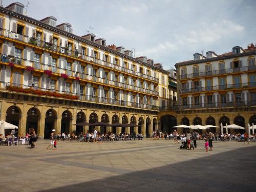 8.- Plaza Berria